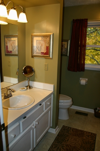 Bathroom Pin Oak