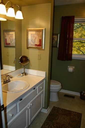 Bathroom Pin Oak