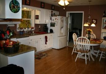 Kitchen Pin Oak